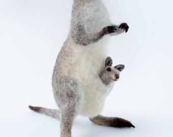 Needle Felted Gray Kangaroo, Kangaroo Sculpture, Kangaroo Art