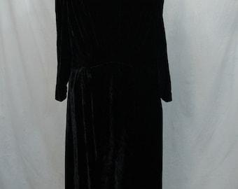 Women's Vintage 1930's Black Velvet Dress