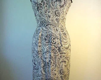 1950s - Early 1960s Textured Cotton Paisley Wiggle Dress