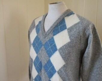 Super Soft Scottish Wool Vintage V Neck Argyle Sweater Men Sz Small
