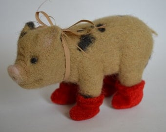 Needle felted animal - Little pig - Piggie - Home decor - Felted toy