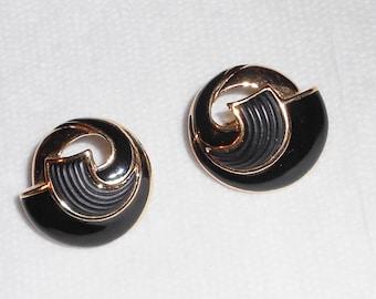 Preppy earrings, Trifari clip on earrings vintage 1980s black on gold abstract earrings Funeral