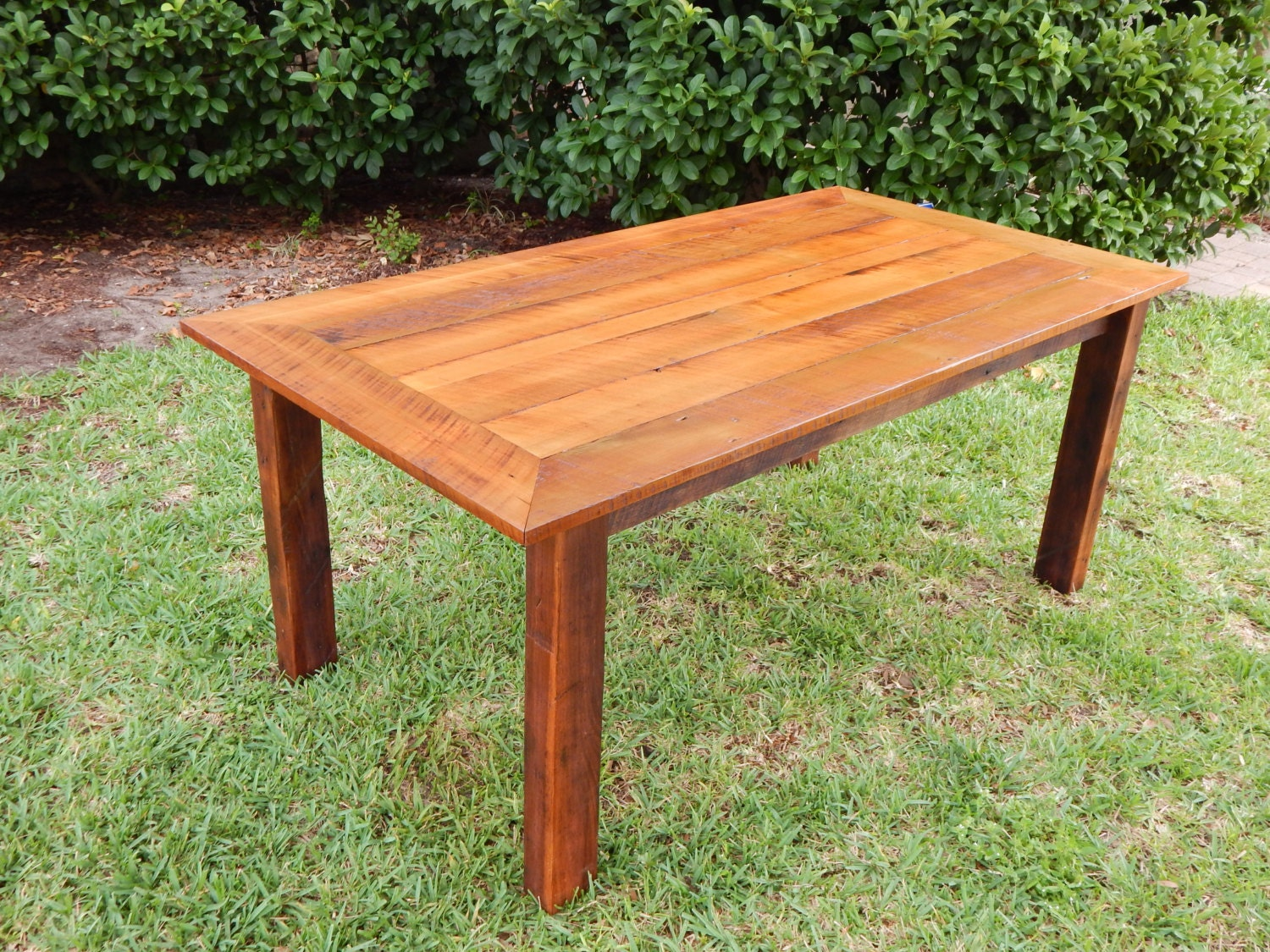 reclaimed poplar wood farmhouse dining table