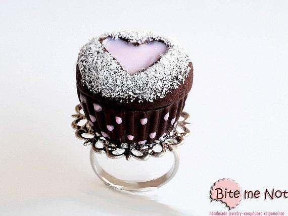 Mini Food Polka Dot Heart Cupcake Ring, Polymer Clay Sweets, Mini Food Jewelry, Kawaii Jewelry, Miniature Sweets, Food Jewelry, Cute Jewelry