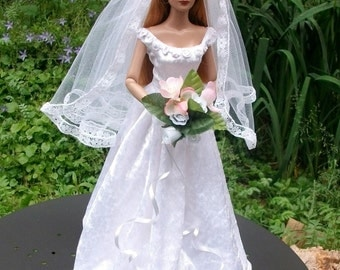 Bridalgown for Tonner dolls 16inch