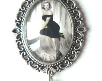 Marilyn Monroe The Asphalt Jungle Necklace - Rockabilly Pin Up Retro