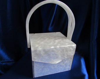 Vintage UNIQUE Vanity White Lucite Box Purse with Elgin American Compact -  Beautiful (b37)