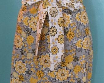 Women's half apron