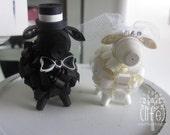I love ewe wedding cake topper // wedding gift // bride & groom sheep // antique white sheep // black sheep // veil // top hat