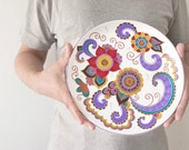 White decorative plate with painted flowers / Wall hangings / Plaque / Wall plate / Violet, red, beige / Wedding gift / Housewarming