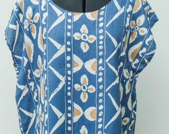 Ladies vintage cornflower blue print top