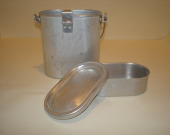 Vintage French  METAL LUNCH BOX 1950's // french kitchen///cookware///french country