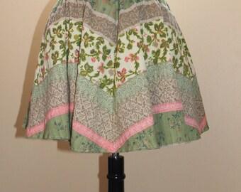 Boho floral mini skirt.