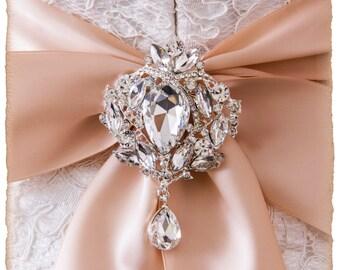 Large Crystal Brooch For Bridal Sash, Bridal Sash Brooch, Large Wedding Brooch, Crystal Bridal Brooch, Bridal Sash Pin, Rhinestone Brooch
