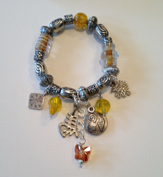 Charms and beads bracelets - red, yellow or blue
