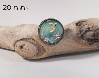 Flower pin 20 mm diam. Glass dome on pin