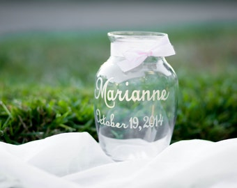 Engraved Flower Vase, Hand Engraved with Name and Date, Your Choice of Ribbon Color, Wedding Decor, Bridesmaid Gift