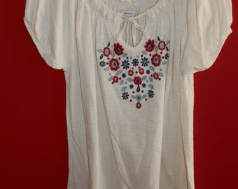 Emroidery summer cotton blouse.
