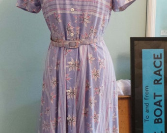 1950s ORIGINAL lightweight summer blue floral dress with belt - size 12.