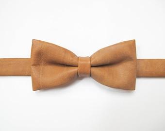 Retro tan textured faux leather bow tie