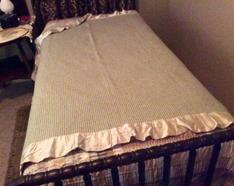 A Vintage Mid Century North Star Woolen Mill Company Wool Blanket Satin Edge Amazing Condition