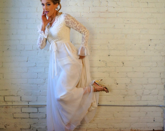 Miss Elliette Wedding Dress 1960s Vintage Ivory Silk Chiffon Lace Bridal Gown X SMALL Off White Trumpet Sleeves Classic 60s Wedding Gown
