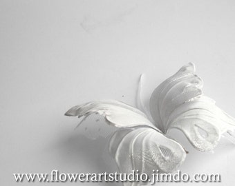 Butterfly bridal hair accessories, White fabric butterfly hair pin, Feminine Bridesmaid hair clip, White hair clip, Butterfly hair pin.