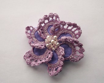 lilac crochet brooch, lilac handmade crochet brooch, handmade ,pin,accessory,corsage,mother of the bride groom, wedding accessories.