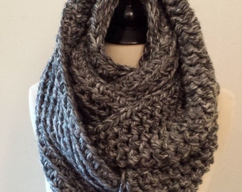 Chunky Cowl - Crochet Knit Infinity Scarf in GRAY - Cowl - Scarf - Scarves - Neckwarmer -Caplet - Chunky Scarf - Oversized Scarf Cowl Circle