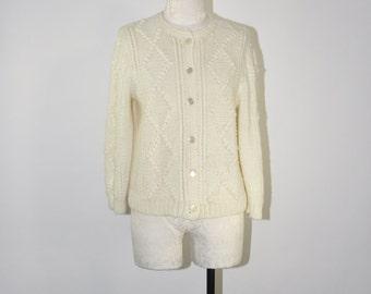 ivory nubby knit cardigan / vintage crewneck sweater / knit diamonds cardigan