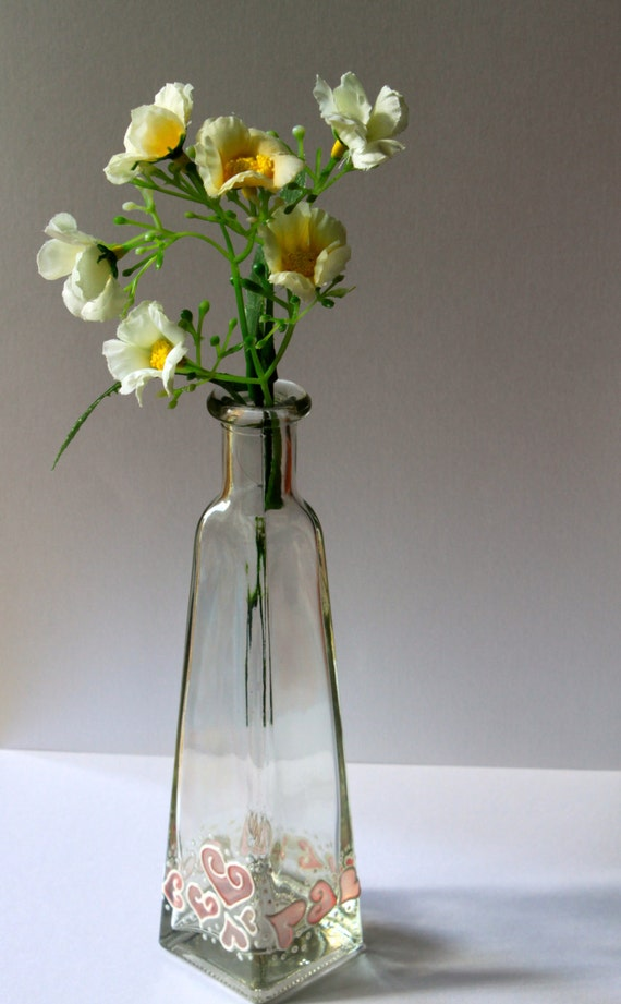 Love in a Bottle・Hand Painted Glass Flower Vase・Hearts in Soft Pink & White・Romantic Home Decor Accents/ Personalised Valentines Gifts