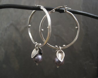 Freshwater pearl and sterling silver hoop earrings