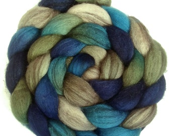 Handpainted Heathered BFL Roving - 4 oz. BLUE EYES - Spinning Fiber