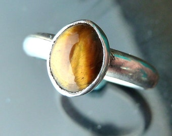 Tigereye Ring band in sterling silver tiger eye cabochon size 5 6