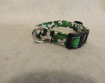"""X Small or  Small  Dog Collar 1/2"""" Wide Green with Bones or 4 Foot Leash"""