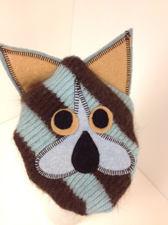 handpuppet Midge is made of  8 recycled sweaters