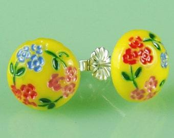 Vintage 1940s Yellow Flower Japanese Glass Post Earrings