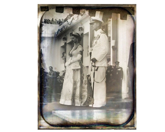 Instant Download Vintage Queen of England British Diamond Jubilee  Download Photograph Texture Commercial Use