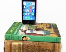 IPhone Dock Charging Station, Vintage Cherry Ames Book IPod Docking Charger, Mobile Accessories, Nurse Book, Nursing