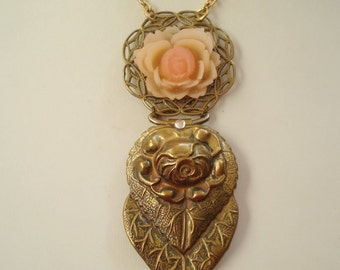 Vintage Brass Buckle with Resin Flower Pendant Necklace