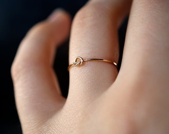 SOLID 14K Gold Tiny Knot ring, 14K Gold ring, gold stacking ring, gold knot ring, delicate knot ring, infinity ring