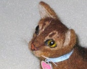 Custom Cat Pin / Needle Felted Portrait of Your Pet / Personalized just for You