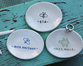Design and Name or Monogram on Small Oval Dish - Personalized