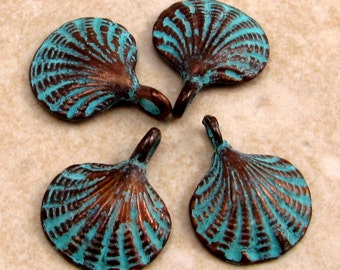 Green Patina Scallop Shell Charm, 15 mm 4 Pieces M267