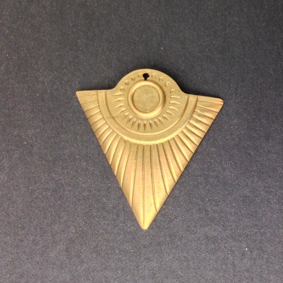 1 Hole Raw Brass Triangle Tribal Pendant with 6mm Setting (4) mtl367