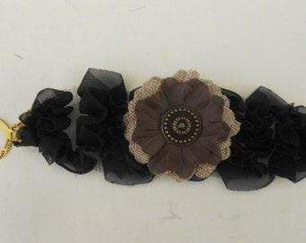Neutral Floral Bracelet