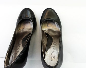 90s patent leather wedges, black, round toe, sharp and cool, size 10