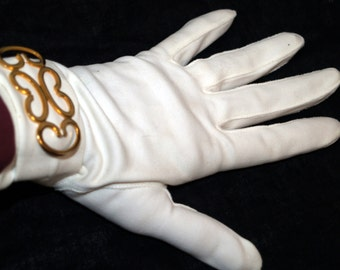 Vintage Grandoe creamy cotton gloves with gold embellishment size 7-1/2