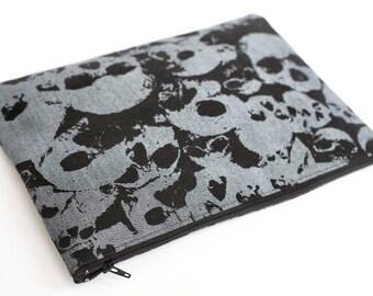 CUSTOM - Skull Mountain Travel Zipper bag / Clutch
