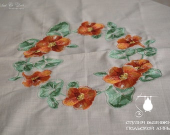 Cotton tablecloth with embroidered nasturtium. 90/90cm